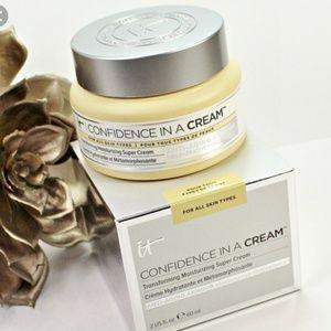Brand New! IT Cosmetics Confidence In A Cream